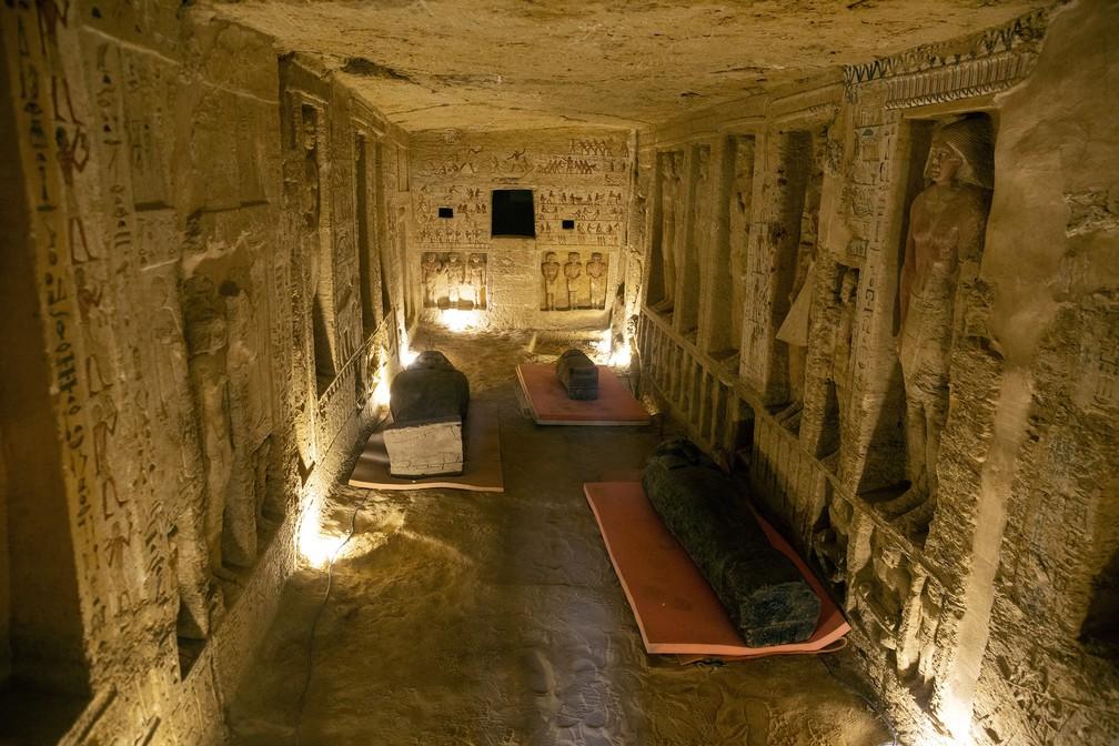 Egito descobre 59 sarcófagos com múmias de 2.600 anos.