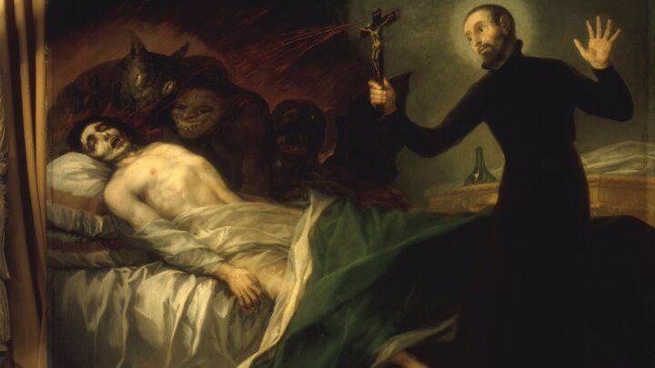 """Exorcistas afirmam que pandemia do coronavírus aumentou casos de """"possessões demoníacas""""."""